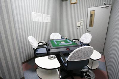2F 娯楽室(マージャンルーム)